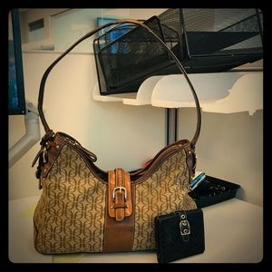 OFFERS??? Fossil Shoulder bag & FREE Coach Wallet
